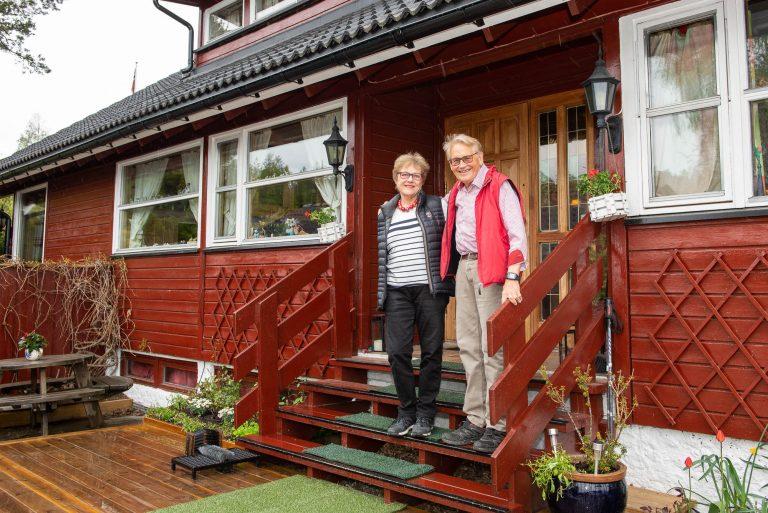 Dagmar og Axel Valen-Sendstad på trappen
